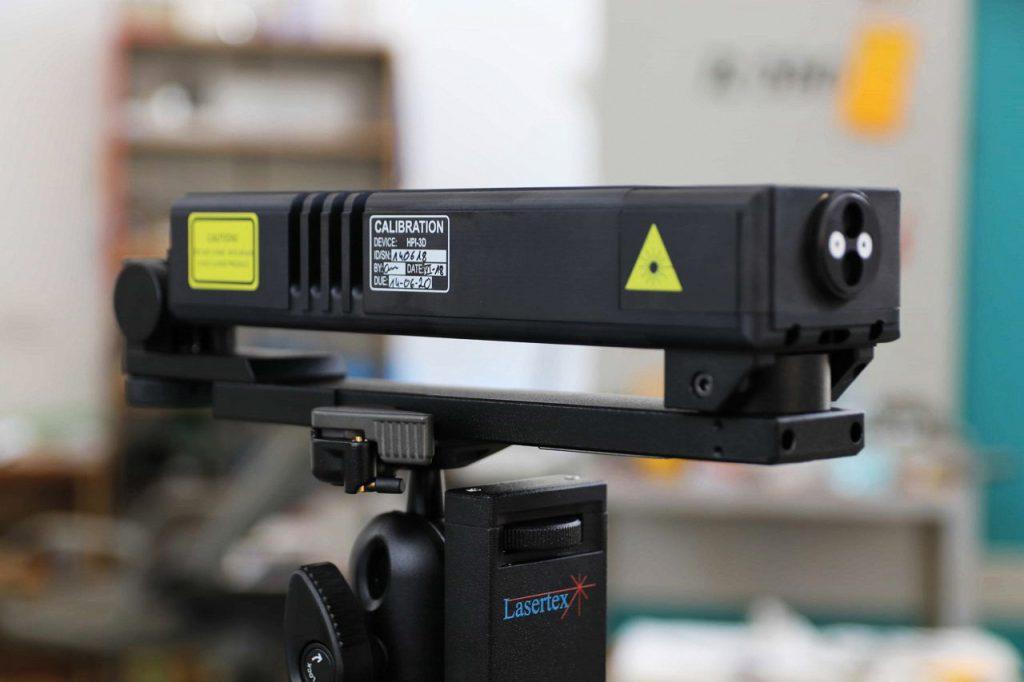 Głowica laserowa HPI-3D na statywie